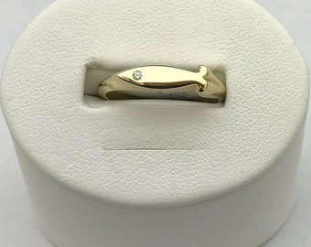 9ct yellow gold and diamond fish ring