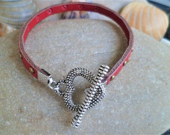 Studded bracelet red Bronze heart silver Antique 20 Cm, thickness 5 mm Togle clasp