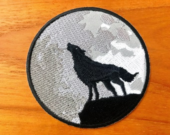Lone Wolf Full Moon Howling Yowl Costume Sign Embroidered Sew Iron on Patch Black