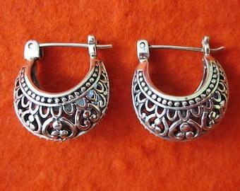 Ravish Balinese Silver sterling hoop earrings / silver 925 / Bali handmade jewelry / (#9m)