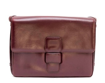 1970s Loewe burgundy leather shoulder bag