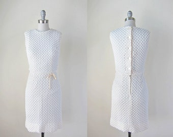 1960s ivory crochet dress vintage white ribbon waist dess 60s button back cream dress xs