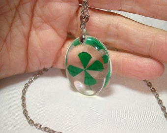 1980s Resin Real Four Leaf CloverLucky St. Patricks Day Necklace.