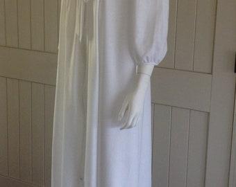 Vintage Gillian O' Malley Robe .