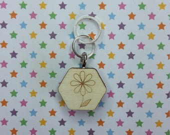 Daisy wooden stitch marker - knitting notions - charm