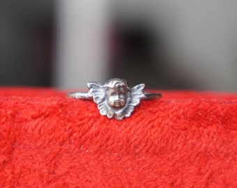 Solid Silver Antique Style Petite Winged Cherub Ring