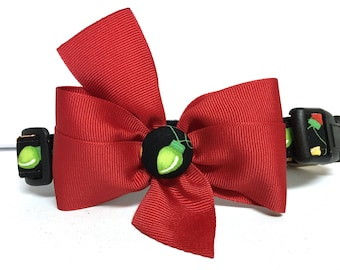 Dog Collar- The Christmas Lights- With Red Removable Bow- Adjustable Collar
