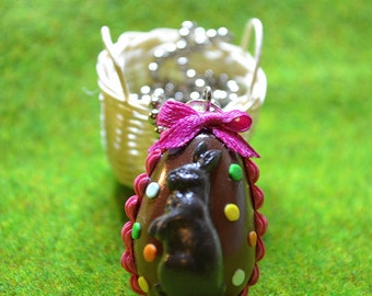 Chocolate easter egg necklace,Easter necklace,Miniature food necklace,Polymer clay easter egg,Miniature food jewelry