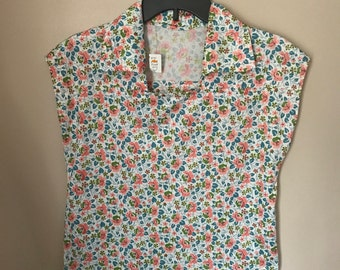 Ladies Vintage 60s 70s Poly Floral Sleeveless Blouse