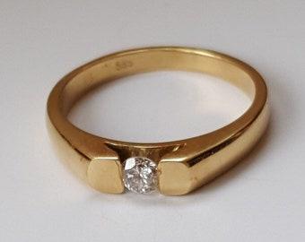 Vintage 18ct Gold Single Stone Diamond Ring