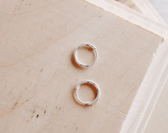 E1060 - New 10mm Round Thin Sterling Silver Hoops Earrings
