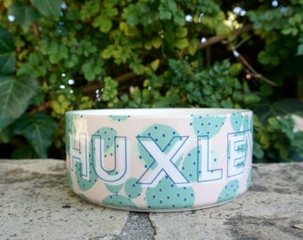 Personalized Dog Bowls: Custom Ceramic Pet Dish with Cactus Print Background // Dog Water Bowl With Your Dog's Name // Cute Dog Food Dishes