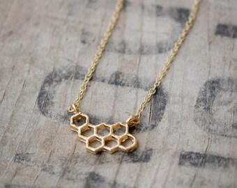 Bee Hive Pendant Necklace - 18K gold plated 14.4 x 12.7 mm (3015)