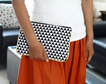 Black and White triangle clutch purse with gold accent, triangle clutch, black white clutch, canvas clutch