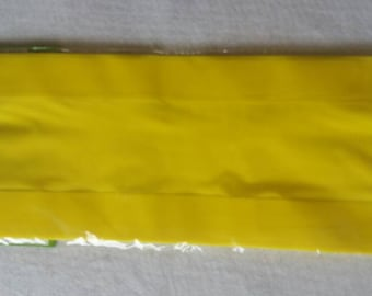 20 Yellow Plastic Treat Bags. 15 x 11 inches