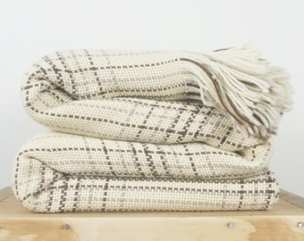 Plaid Tartan Blanket, Gray merino wool throw woven bedcover with fringes 63 x 71