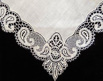 Wedding Hankie - Bridal Handkerchief - White Bridal Hankie - Fine Crochet Brides Handkerchief - Vintage Crochet - Rare Linens