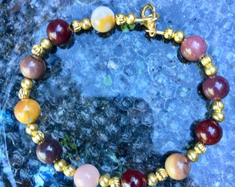 Mookaite and Gold 8mm Single Strand Bracelet