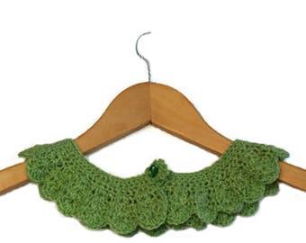 Handmade crochet collar, neck accessory, crochet neckline, detachable lace collar, Peter Pan Collar in mint green by  GunaDesign
