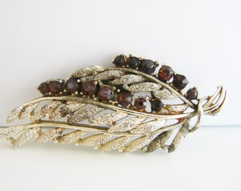 SALE- Vintage gold autumn leaf brooch with amber brown crystals