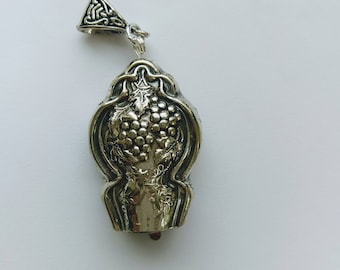 Vineyard 1910 upcycled knife handle bell necklace!