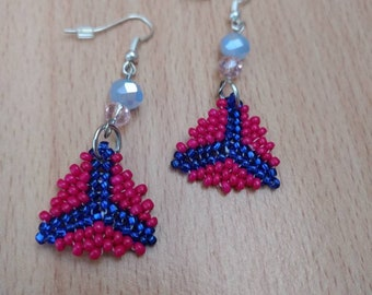 CLEARANCE!  Peyote earrings made with dark pink, blue seed beads and Faceted beads- Triangle earrings - Pink earrings - Gift for her