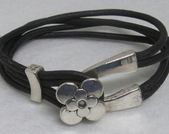 Leather Bracelet ~ Black ~ 7 1/2""
