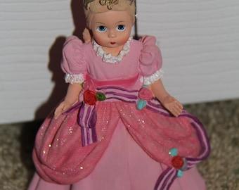 Cinderella Madame Alexander Figurine, 1999