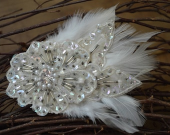 Vintage 1920's Hair Clip, Winter White Hair Clip, Gatsby Hair Clip, White Feather Hair Clip, Wedding Hair Accessories, 1920's Beaded Clip