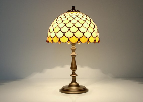 Fish Scale Table Lamp 9 Stained Glas Shade Stained