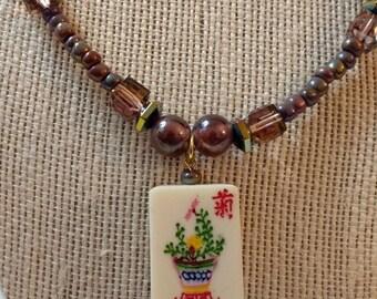 Mahjongg necklace and earrings set / Flower Mah jong tile / Mahjong jewelry / Beaded Ma jong gift /Ma chong glass beaded necklace & earrings