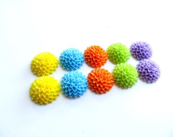 lot 10 Pack has 15mm dahlia flower cabochons