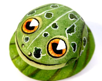 Frog Stone-Hand Painted-Home Decor-Paperweight-Green Leopard Frog on lily pad-Rock Art
