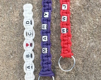 Personalized Paracord Keychain, Name Paracord Keychain,  Personalized Wedding Party Keychain, Name Keychain, Candmjewelrydesigns.