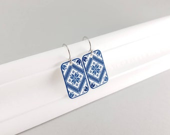 Ethnic design earrings made of shrink plastic in blue and white