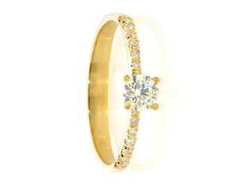 Solitaire engagement ring - Engagement Ring, Classic solitaire ring, Classic engagement ring
