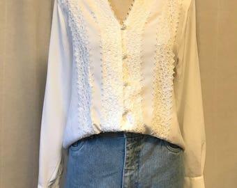 Generra/90s/vintage/stonewash/jean shorts/denim/ high waisted/ mom jeans