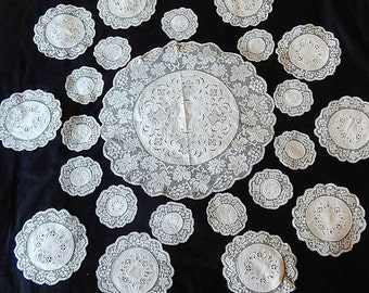 Vintage filet lace embroidered linen set table centre & 22 matching mats handworked lovely grapevine design