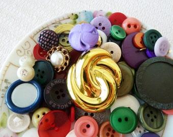 Random Vintage Button Lot, Colorful Happy Mix No.2712