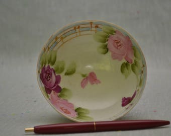 """Nippon footed bowl with """"beaded"""" roses"""