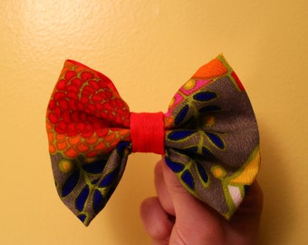 Vintage 60s 70s psychedelic Bow Tie or Hair Bow