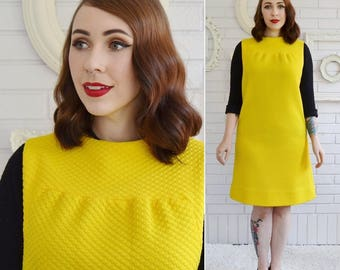 Vintage 1960s Yellow Polyester Sleeveless Sheath Dress Size Small