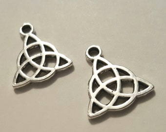 Celtic Charms - 10 pcs. - Celtic Pendant - Silver Celtic Charm - Celtic Triangle - Antique Silver Charm - Triquetra Charm - Two Sided Charm