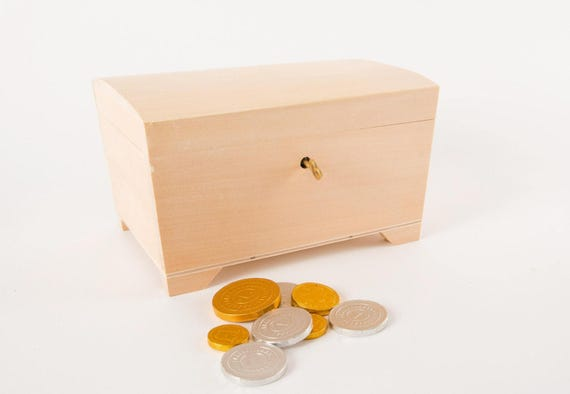 Wooden chest with Lock Key Jewellery Box Small wooden