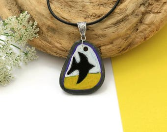 Hand Painted Flying Bird Pebble Pendant - Beach Stone Pendant - Stone Jewelry - Painted Jewelry - Natural Jewelry - Contemporary Pendant