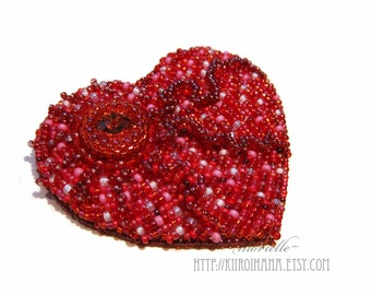 Heart | Bead embroidered heart shaped brooch