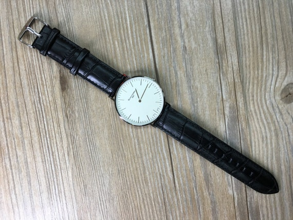 Classic collection watches for modern and stylish gentleman and Ladies (Timepiece / Watches - size 40mm)