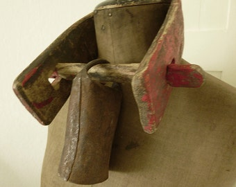 Antique goat yoke with bell, garndiose patina, from France...CHARMANT!