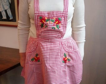 Chequered pattern red vintage apron with Hungarian embroidery