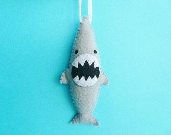 Drôle Noël ornement - requin féroce, de requin fait à la main en feutre ornements, semaine shark, ornements uniques, cadeaux pour lui, cadeaux pour les hommes